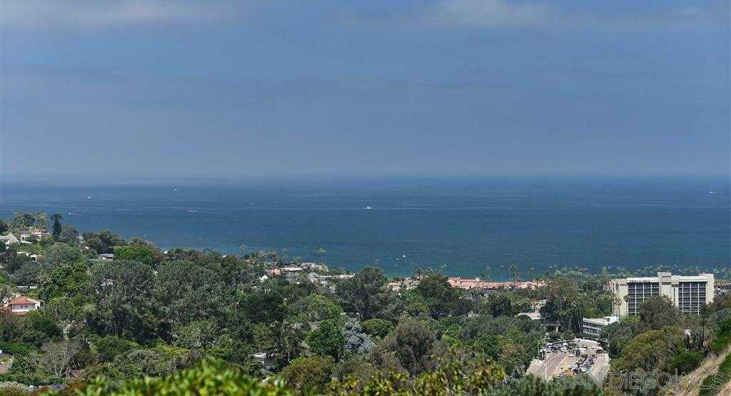 $1,580,000 - 4Br/3Ba -  for Sale in La Jolla Heights, La Jolla