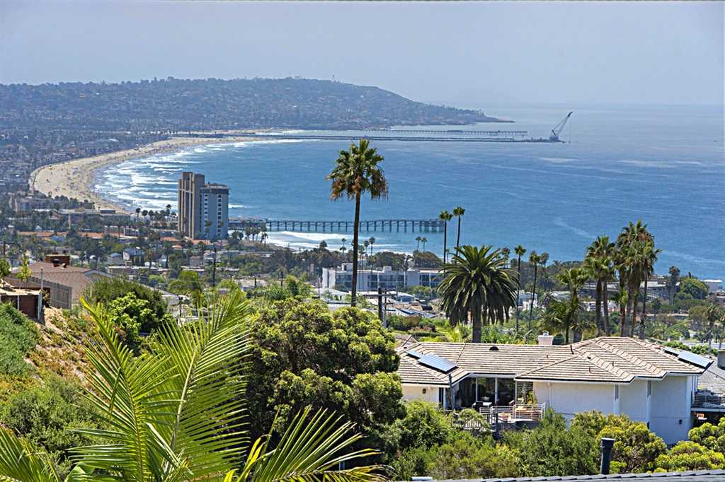$4,295,000 - 4Br/5Ba -  for Sale in Muirlands, La Jolla