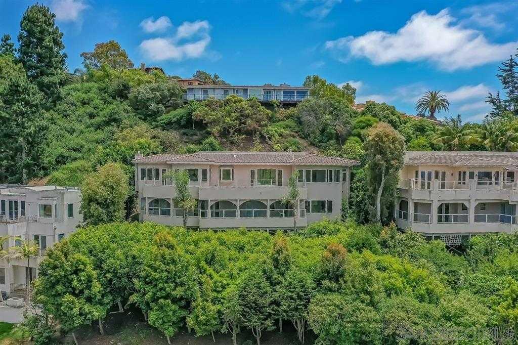 $3,700,000 - 4Br/5Ba -  for Sale in Muirlands, La Jolla