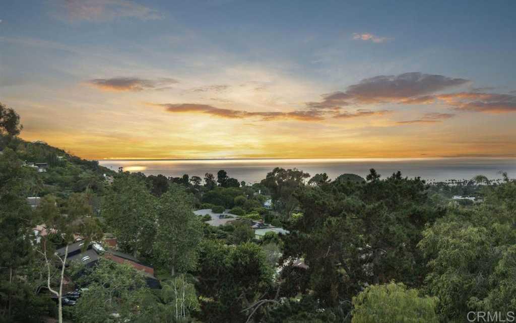 $4,498,000 - 4Br/3Ba -  for Sale in Azure Coast, La Jolla