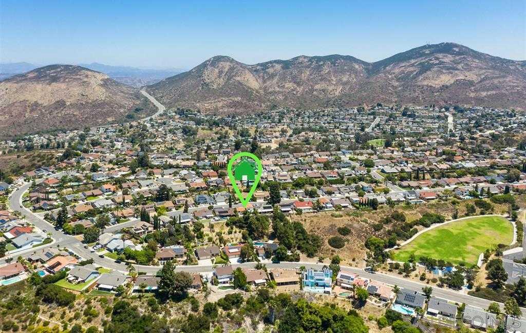 7996 Laurelridge San Diego, CA 92120