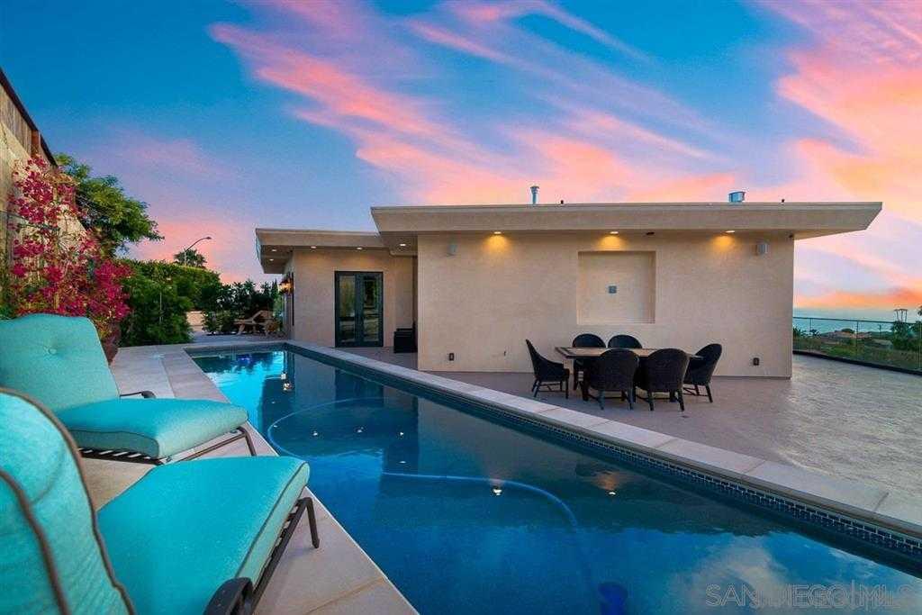 $3,648,000 - 4Br/5Ba -  for Sale in Muirlands, La Jolla
