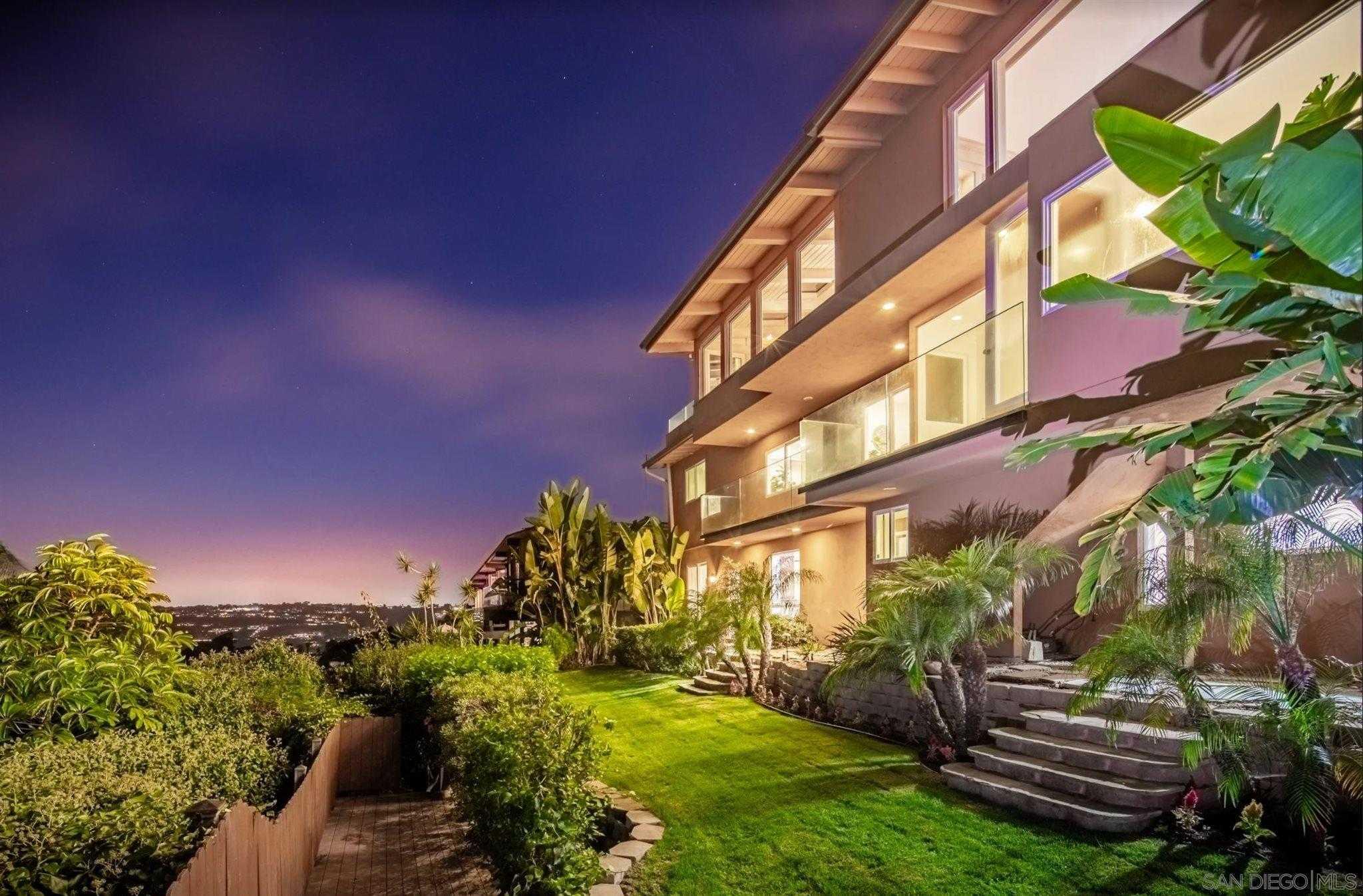 $4,299,000 - 5Br/6Ba -  for Sale in Country Club, La Jolla