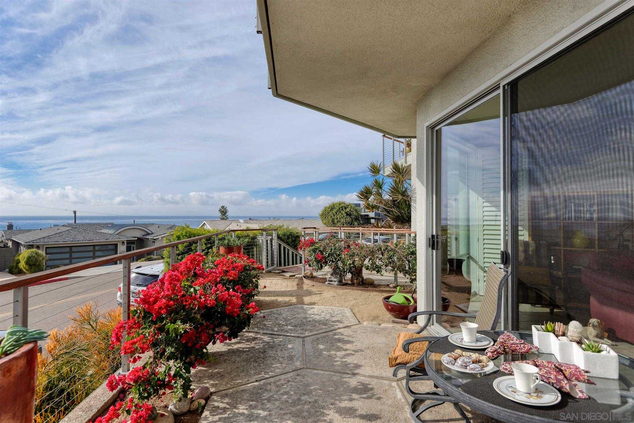 $1,195,000 - 2Br/2Ba -  for Sale in Bird Rock, La Jolla