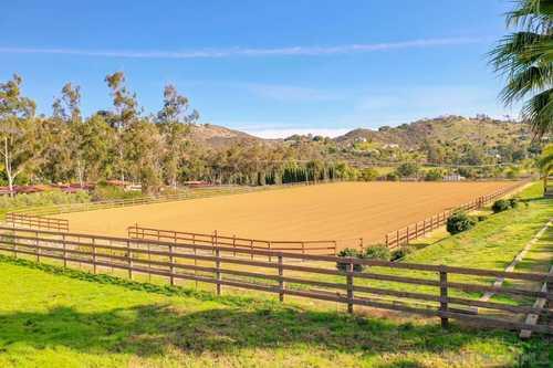 $4,750,000 - 3Br/3Ba -  for Sale in Twin Oaks, San Marcos