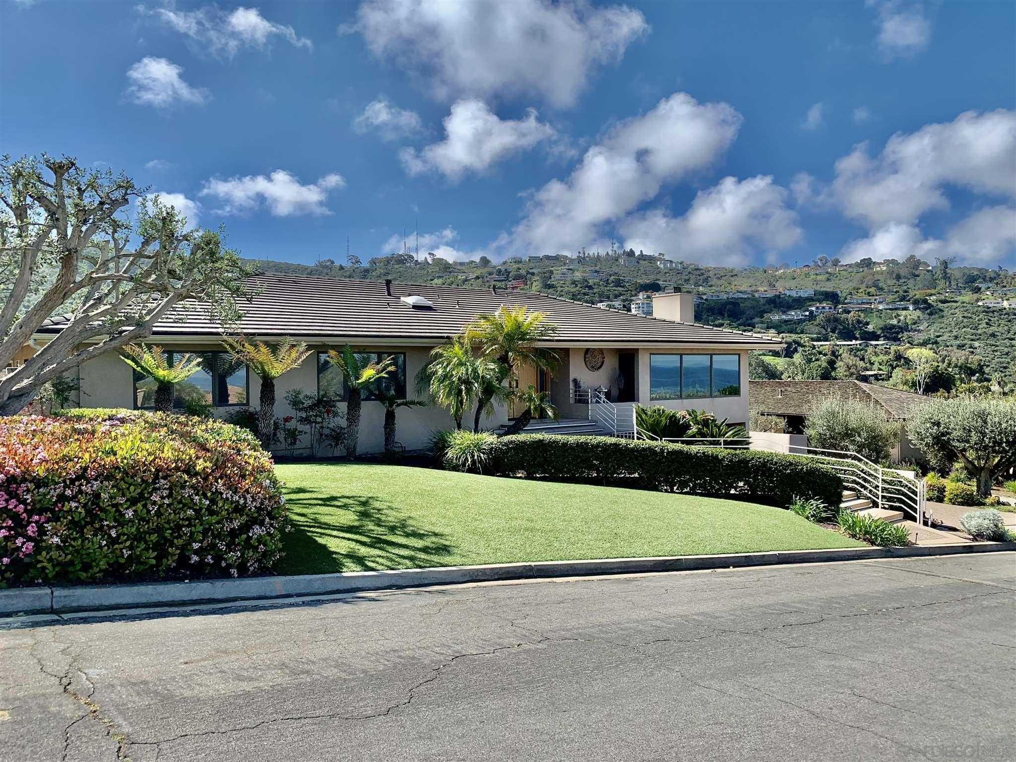 $3,500,000 - 4Br/4Ba -  for Sale in La Jolla Heights, La Jolla