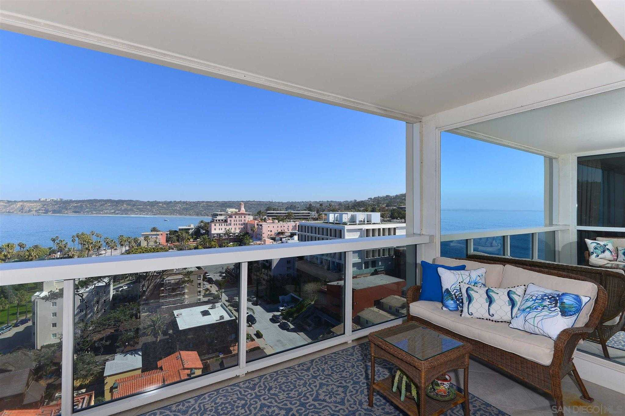 $5,995,000 - 3Br/4Ba -  for Sale in Village, La Jolla