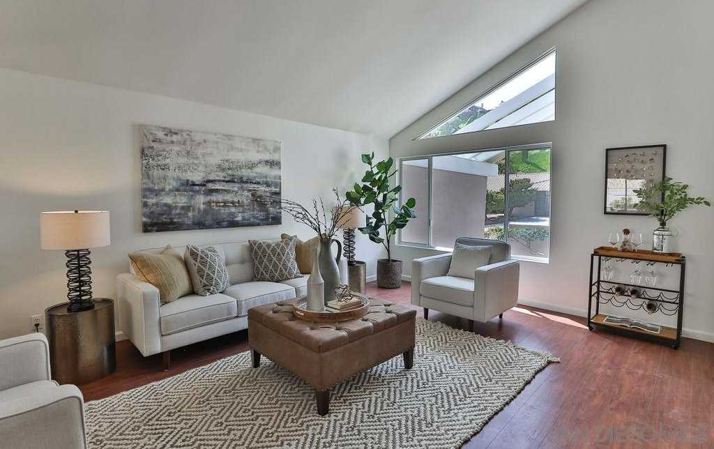 $1,975,000 - 5Br/3Ba -  for Sale in La Jolla Harbor Heights, La Jolla