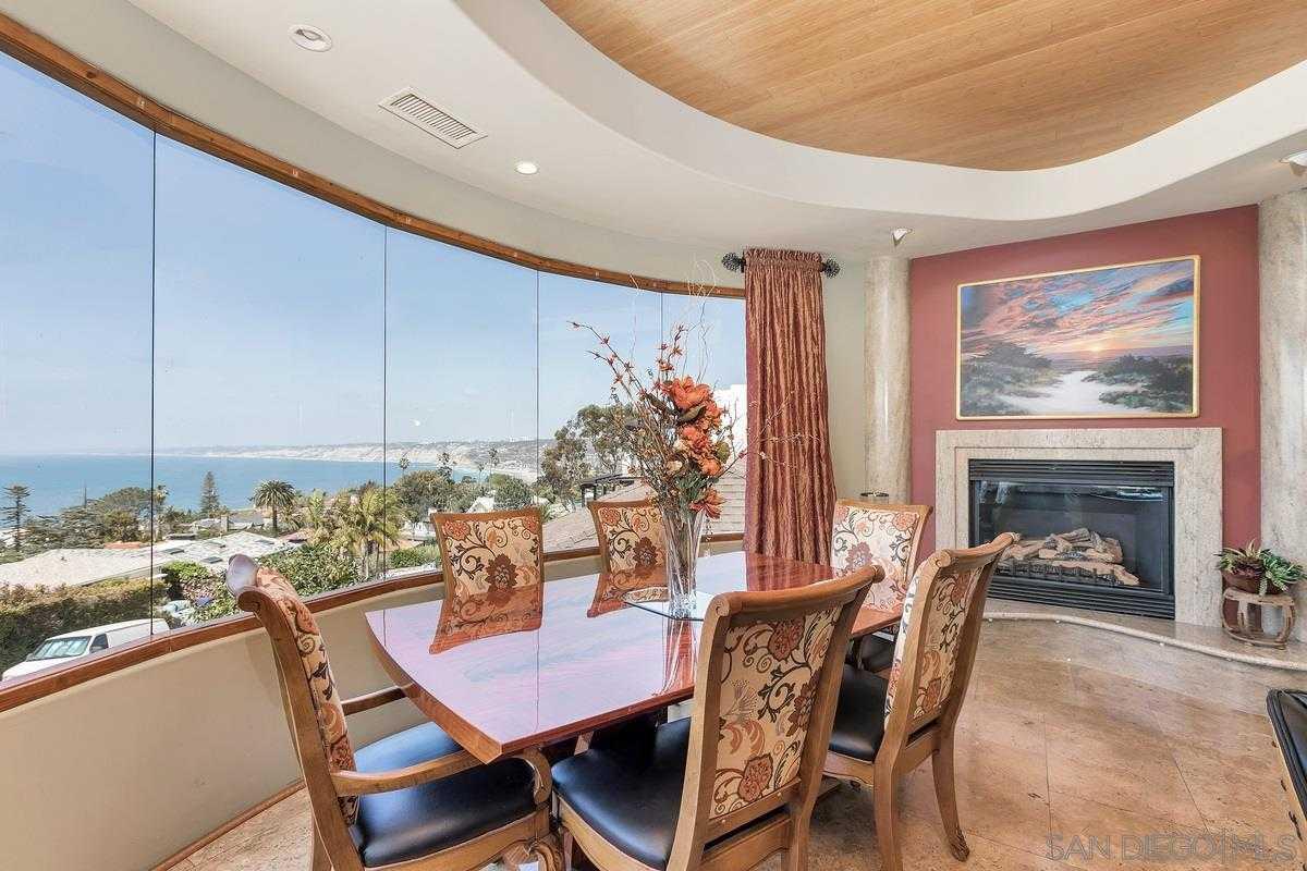 $4,950,000 - 4Br/6Ba -  for Sale in La Jolla Country Club, La Jolla