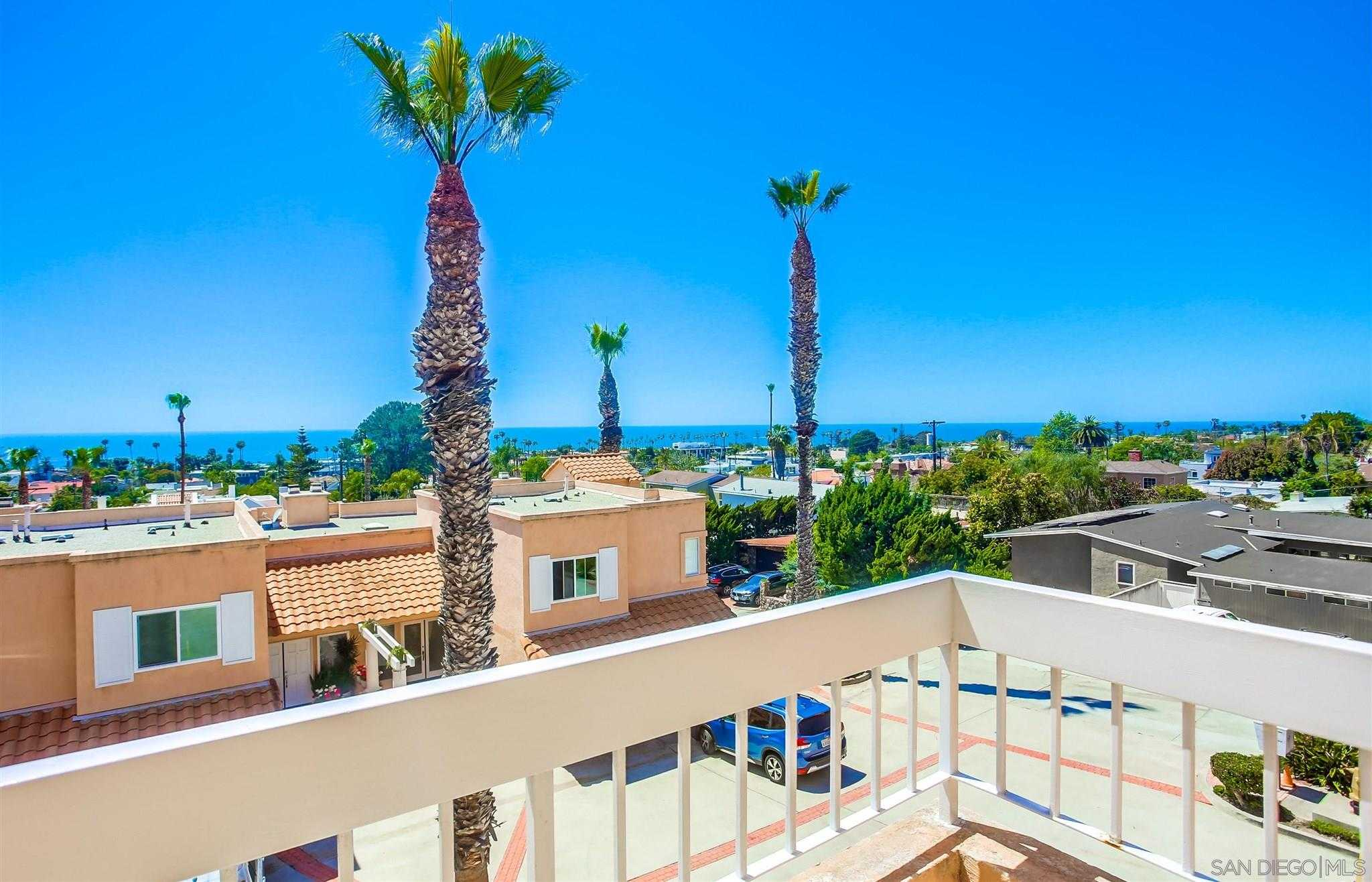 $1,698,800 - 3Br/3Ba -  for Sale in Beach Barber Tract, La Jolla