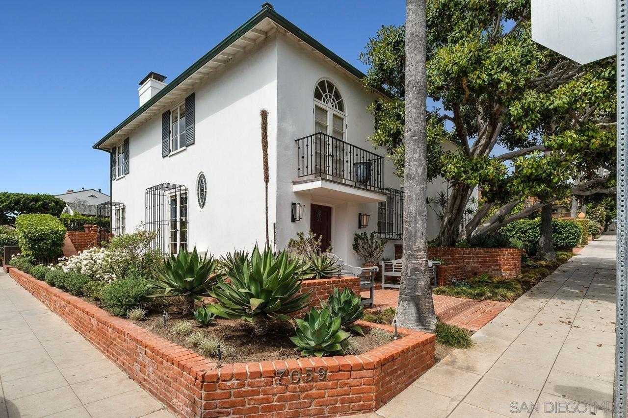 $5,995,000 - 2Br/4Ba -  for Sale in Barber Tract, La Jolla