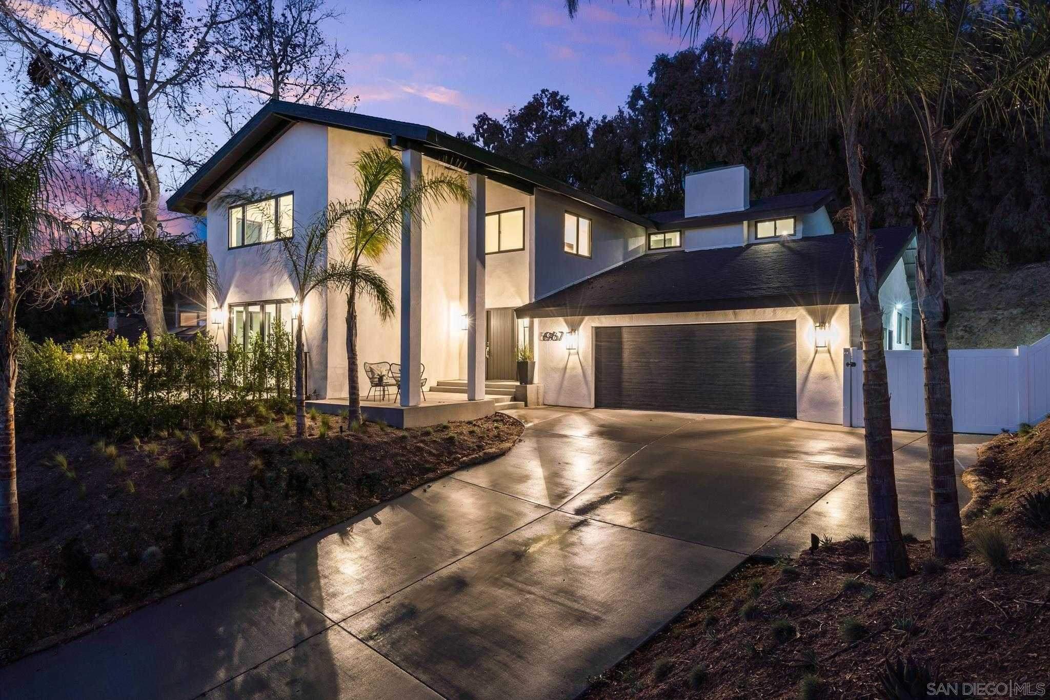 $3,300,000 - 4Br/4Ba -  for Sale in La Jolla, La Jolla