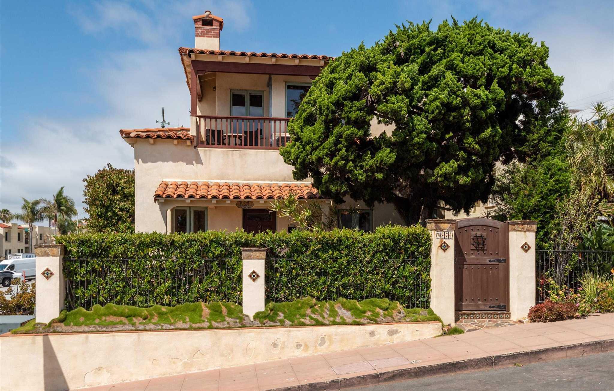 $2,645,000 - 2Br/2Ba -  for Sale in La Jolla, La Jolla