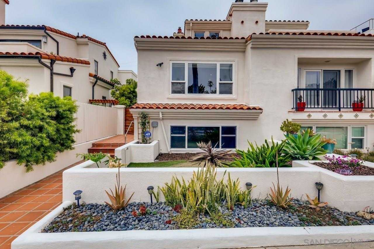 $2,495,000 - 3Br/3Ba -  for Sale in Beach Barber Tract, La Jolla