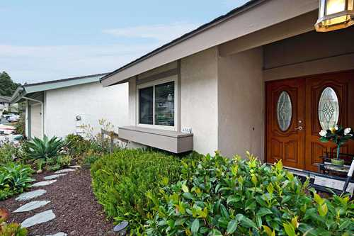 $850,000 - 3Br/2Ba -  for Sale in Stonehaven, Bay Ho, San Diego