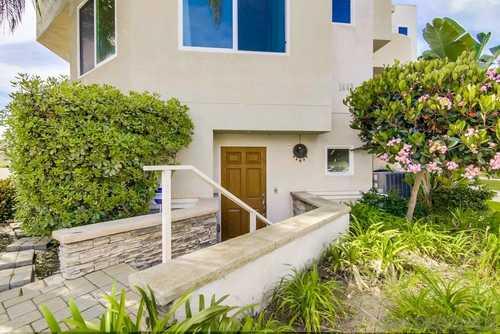 $1,035,000 - 2Br/3Ba -  for Sale in Roseville, San Diego
