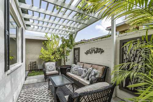 $699,000 - 2Br/1Ba -  for Sale in Mission Hills, San Diego