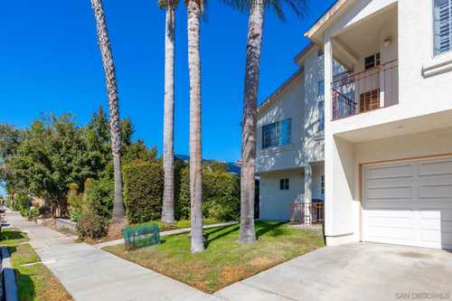 $569,900 - 2Br/2Ba -  for Sale in Mission Hills, San Diego