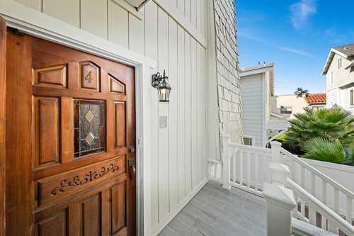 $1,089,000 - 2Br/3Ba -  for Sale in Coronado Village, Coronado