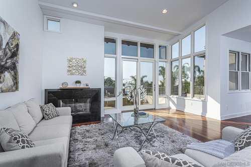 $2,236,000 - 3Br/3Ba -  for Sale in Village, Coronado