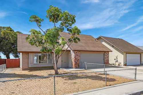 $742,900 - 5Br/3Ba -  for Sale in Encanto, San Diego