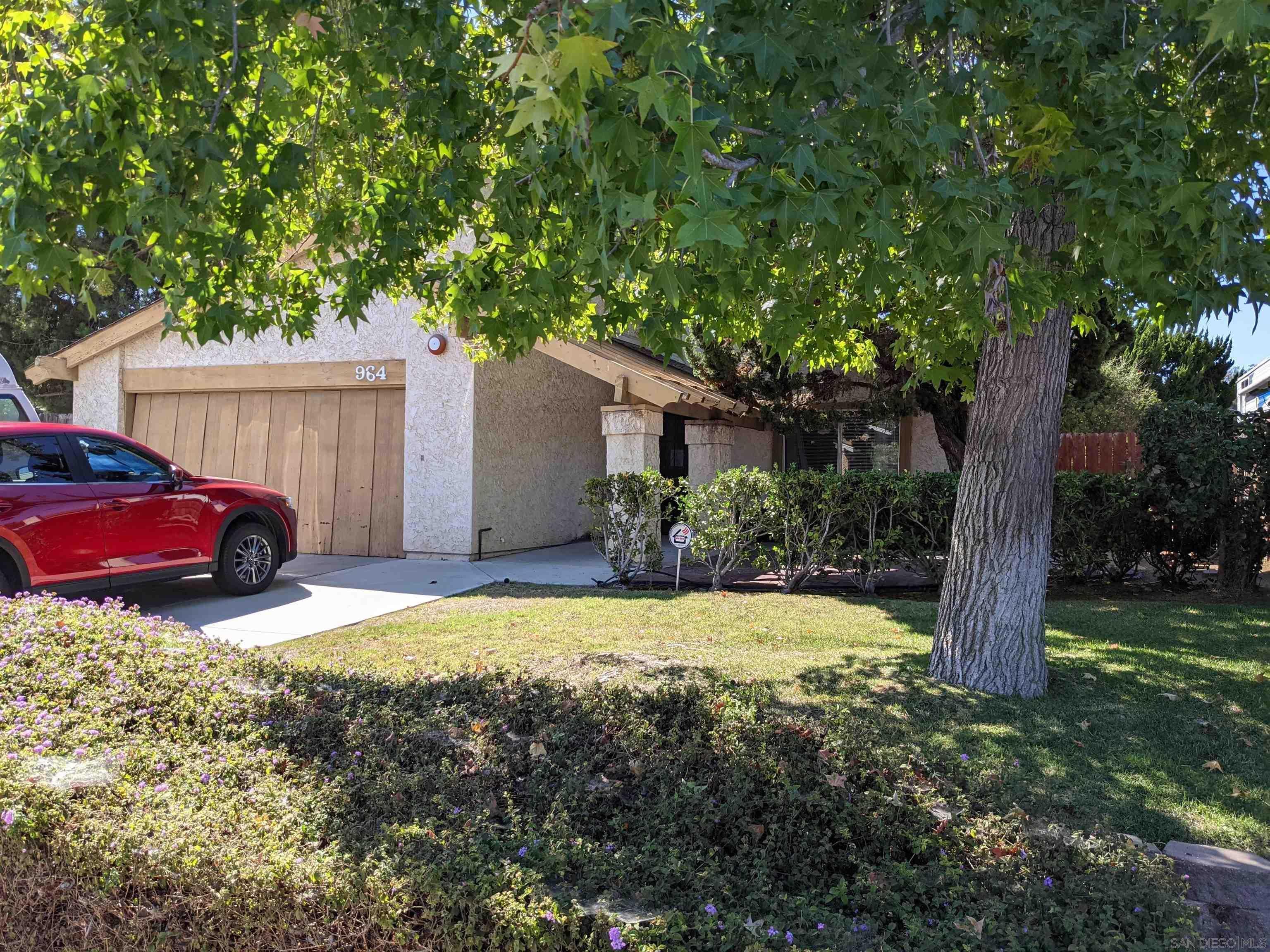 Photo of  964 Buena Vista Way