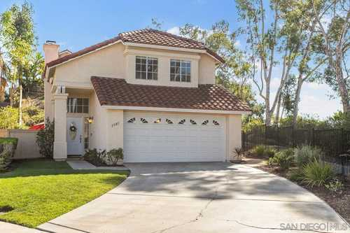$725,000 - 3Br/3Ba -  for Sale in Shadowridge, Vista