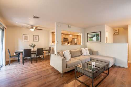 $695,000 - 2Br/3Ba -  for Sale in Mission Hills, San Diego