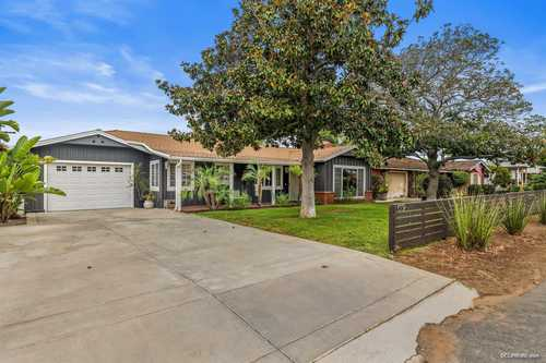 $650,000 - 2Br/1Ba -  for Sale in Brentwood Heights, Vista