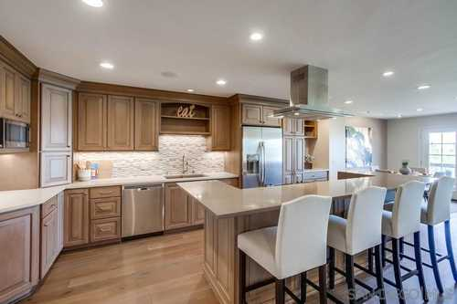 $765,000 - 2Br/2Ba -  for Sale in Mission Hills, San Diego