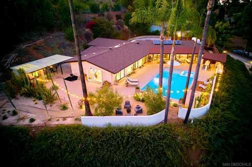 $1,400,000 - 4Br/3Ba -  for Sale in Mount Helix, La Mesa