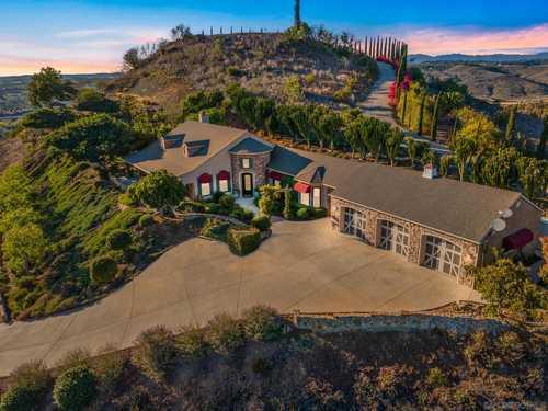 $1,695,000 - 4Br/4Ba -  for Sale in Canyon Estates, Vista