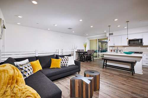 $980,000 - 3Br/3Ba -  for Sale in Promontory, San Diego