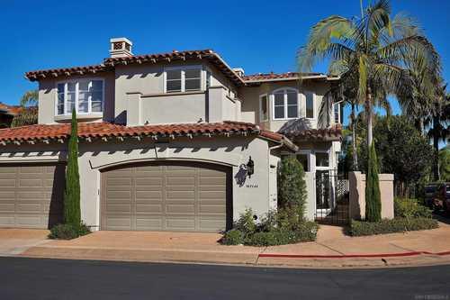 $1,555,000 - 4Br/3Ba -  for Sale in Blackhorse, La Jolla