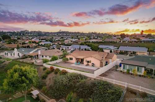 $849,500 - 3Br/3Ba -  for Sale in Seven Oaks, San Diego