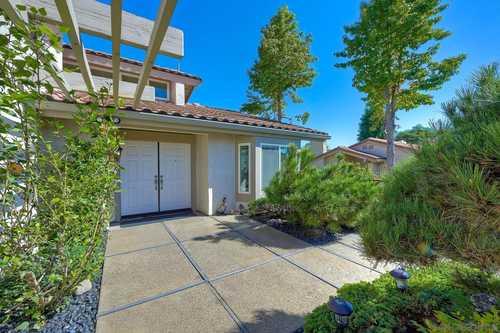 $1,200,000 - 2Br/2Ba -  for Sale in La Jolla Alta 2, La Jolla