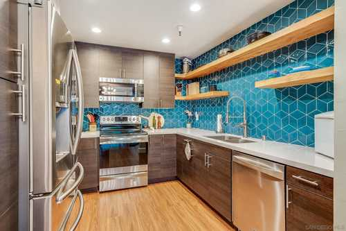 $600,000 - 3Br/2Ba -  for Sale in Mission Valley West, San Diego