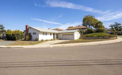 $933,000 - 3Br/2Ba -  for Sale in Western Hills, San Diego
