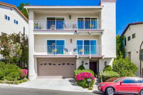 $949,000 - 3Br/3Ba -  for Sale in Del Cerro Heights, San Diego