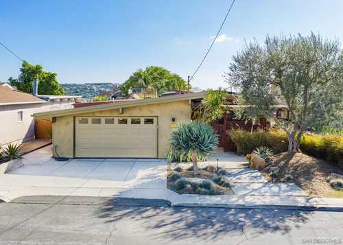 $880,000 - 4Br/2Ba -  for Sale in La Mesa, La Mesa