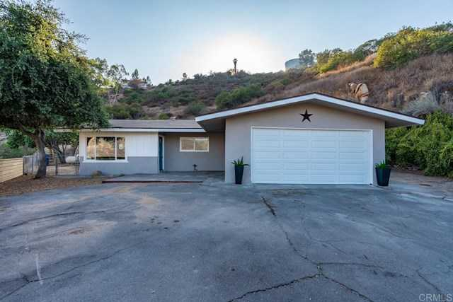 $649,000 - 3Br/2Ba -  for Sale in Lakeside