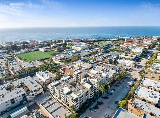 $1,075,000 - 2Br/2Ba -  for Sale in La Jolla