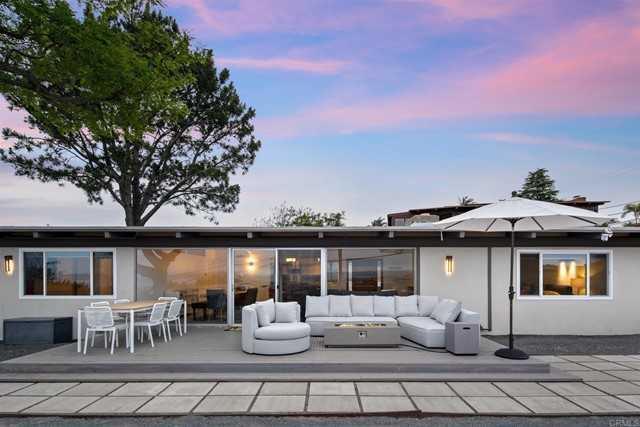 $2,300,000 - 3Br/3Ba -  for Sale in Muirlands, La Jolla