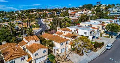 $2,200,000 - 6Br/4Ba -  for Sale in West Of I-5, Solana Beach