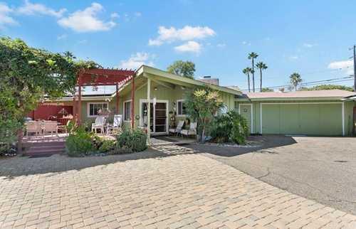 $750,000 - 3Br/2Ba -  for Sale in Vista