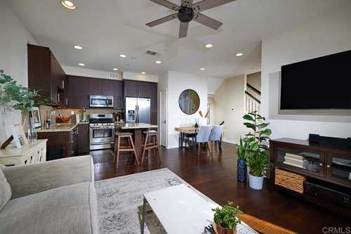 $639,000 - 3Br/3Ba -  for Sale in Solaire, San Marcos