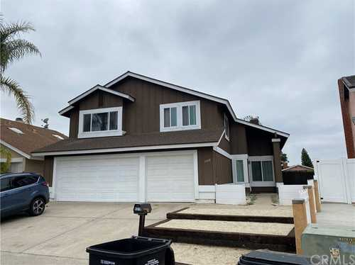 $945,000 - 5Br/3Ba -  for Sale in San Diego