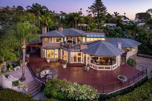 $6,495,000 - 4Br/3Ba -  for Sale in Solana Beach