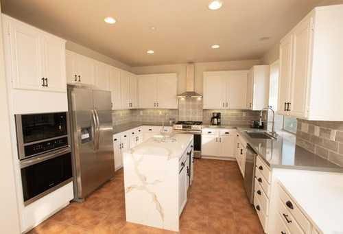 $940,000 - 5Br/3Ba -  for Sale in Foothill, Vista