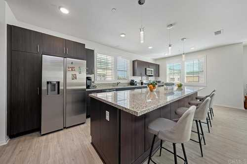 $598,000 - 3Br/4Ba -  for Sale in Playa Del Sol, San Diego